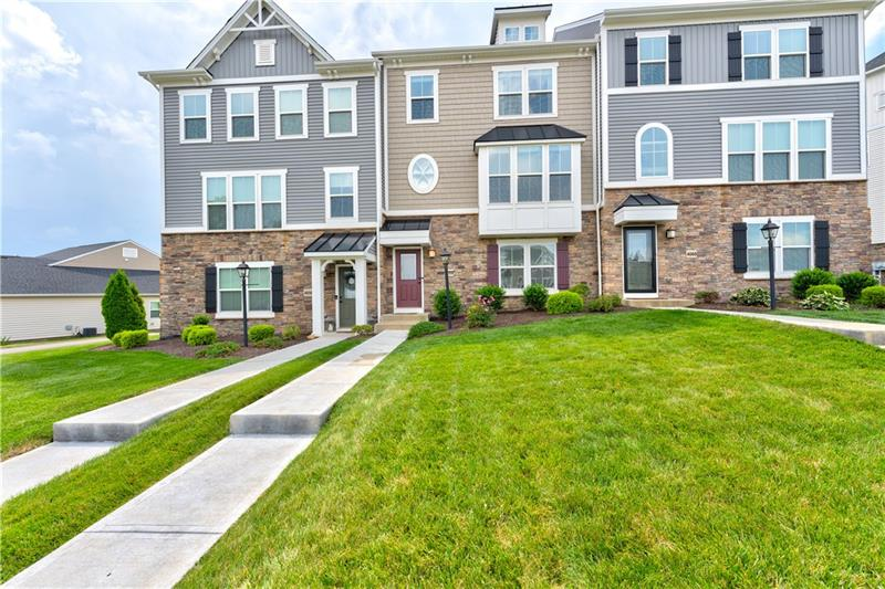 4058 Overview Dr, Cecil, PA 15317