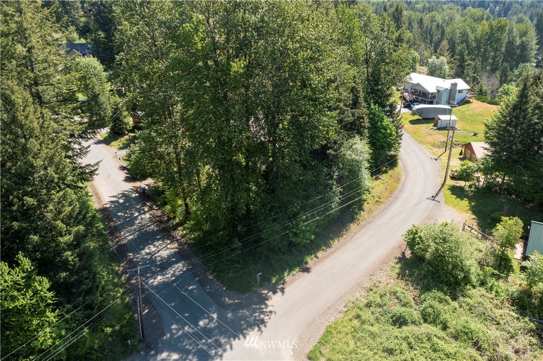 One of the last undeveloped home sites in Packwood's popular Skyline neighborhood is now available! This ideal location is a very short distance to Packwood town center providing you with unparalleled convenience and access to groceries, restaurants, shopping, and, of course, Packwood Brewing! This corner lot features a sunny southern exposure for the broad side of your home and likely beautiful territorial views of the surrounding Gifford Pinchot foothills from the second story. Packwood is less than 30 minutes from White Pass and Mount Rainier National Park. With water and power in the street, bring your builder and start making memories in Packwood very soon!