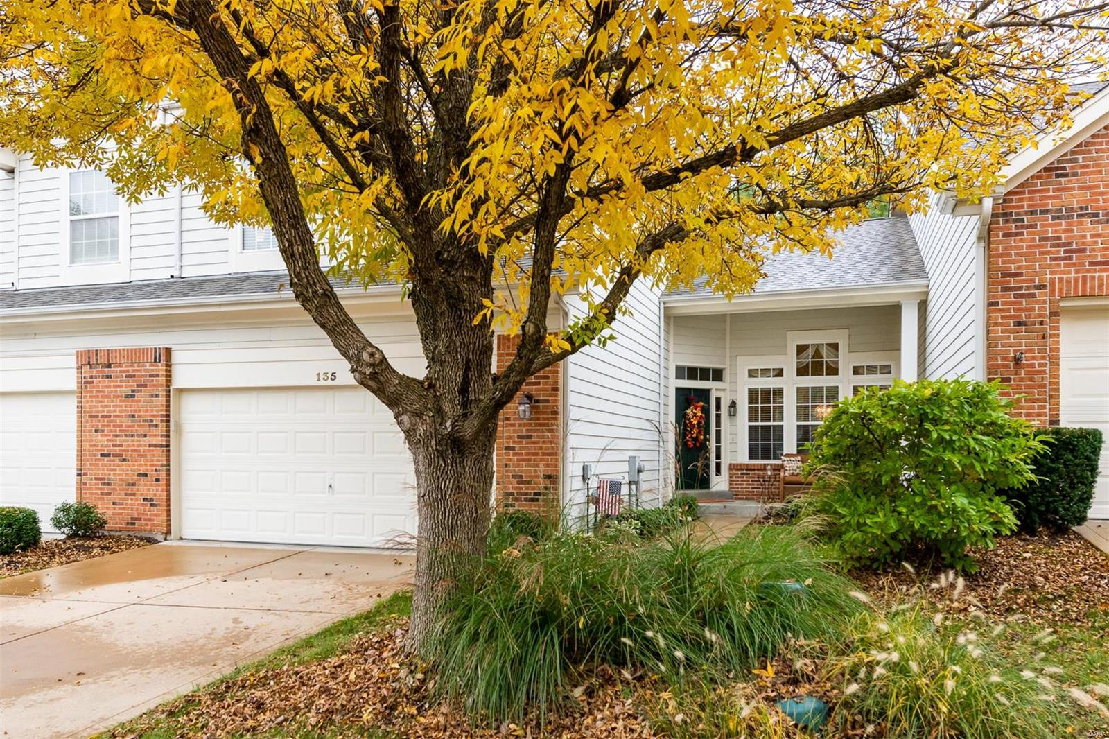 135 Chesterfield Bluffs Drive, Chesterfield, MO 63005