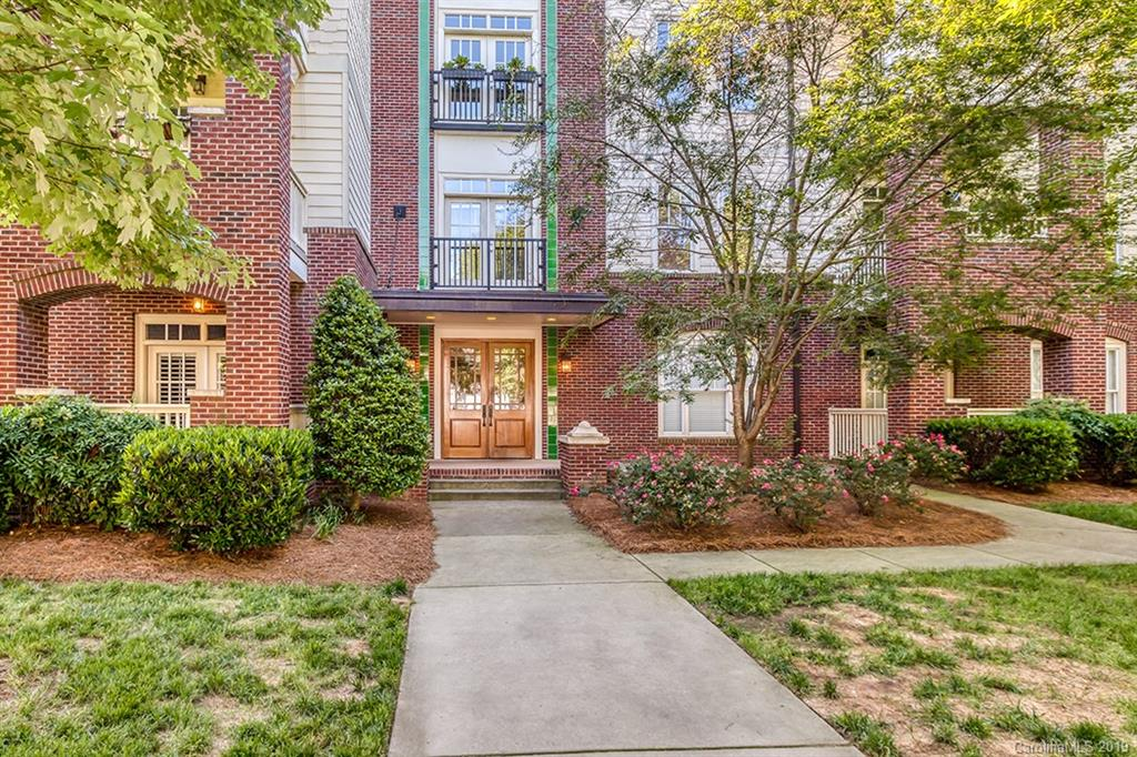 Updated condo in the heart of Elizabeth, one of Charlotte's most beloved neighborhoods! Top floor unit with covered balcony and treetop views. Open floor plan with recessed lighting and wood floors. Large dining area. Granite countertops, stainless steel appliances and breakfast bar in kitchen. Master suite includes a large closet, double vanity in bathroom, and tile shower. Spacious guest room and bath. Within walking distance to shopping and restaurants in both Elizabeth and Plaza Midwood. Just a short drive to Uptown Charlotte.
