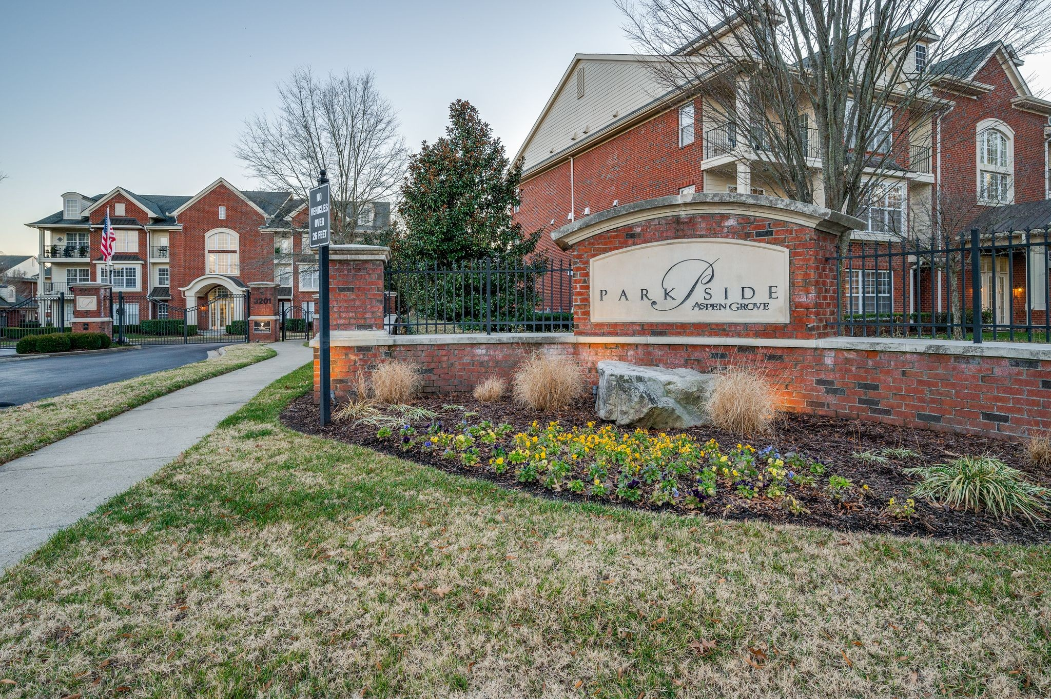 Here is your chance for a high end condo in the heart of Cool Springs. Surrounded by exquisite dining, shopping and entertainment.   Lounge around the pool on your days off and enjoy nature as you course the walking trails. Single story, lower level corner unit. Easy access to I-65. If you desire convenience and walkability, this is your chance.