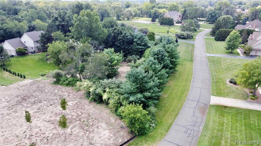 Perfect opportunity to build your dream home on just shy of 5.5 acres in the desirable Berwick Place Subdivision! Lot is located close to major roads, shopping dining, and Kensiding Metropark. BTVAI.