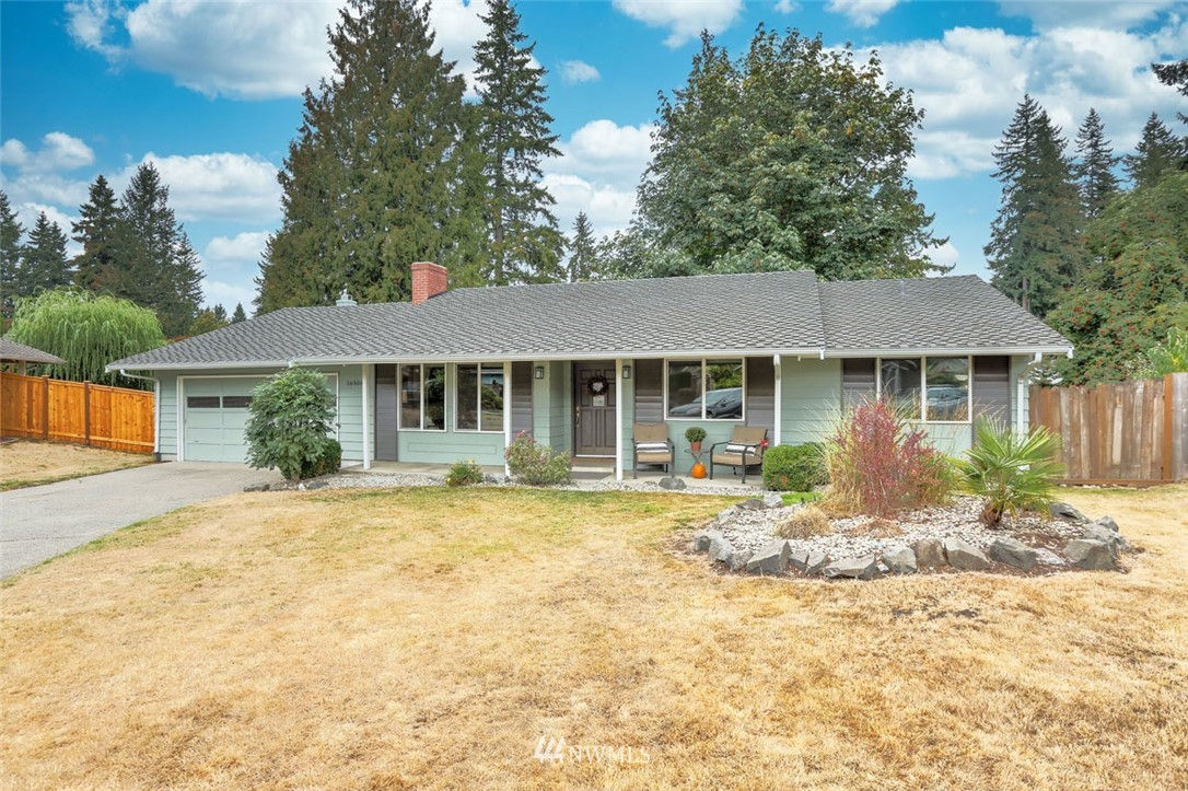 Welcome to Fairwood Greens & this wonderful 3 bed, 2 bath rambler on a quiet cul-de-sac! Beautifully remodeled, featuring gorgeous engineered hardwood floors, open concept spaces & on-point designer touches throughout. Chef's dream kitchen w/2 islands, custom pantry, gas range, granite counters, tile backsplash & ss appliances. Primary suite has been expertly remodeled w/engineered hardwood, w/i closet & modern barn door to spa-like en suite bathroom. Fully-fenced yard & covered entertainment bar & patio. Amenities include 24 hr security patrols, parks&  membership opportunities to the stunning Fairwood Golf & Country Club. Enjoy ideal commuter location w/easy access to freeways, SeaTac airport, major retail, dining & business hubs.