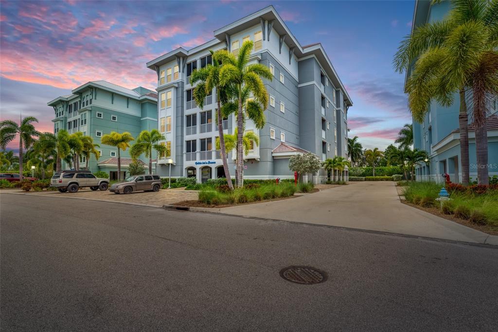 383 Aruba Circle 103, Bradenton, FL 34209