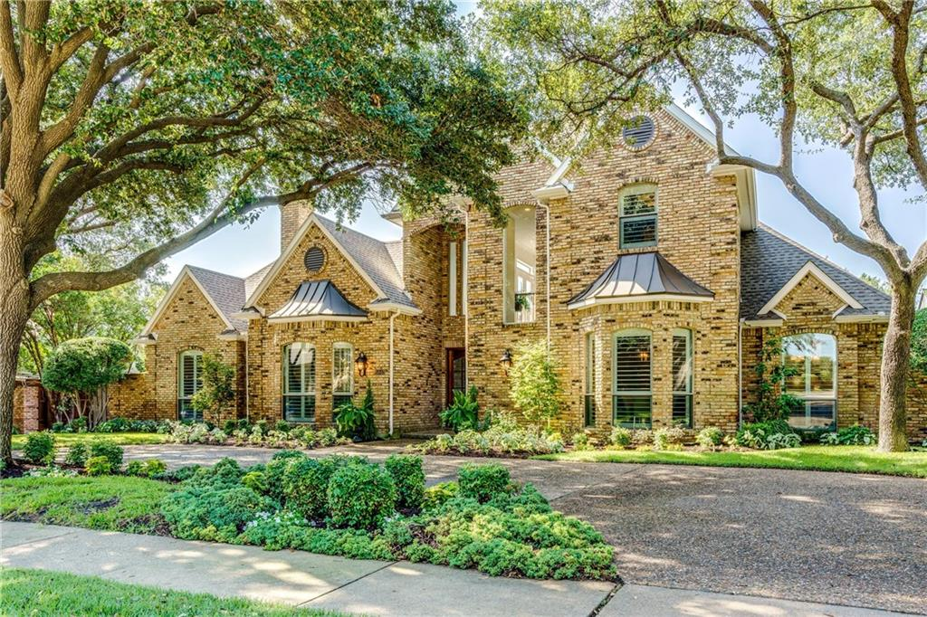 Absolutely gorgeous North facing C-shaped custom home in sought after Steeplechase! Completely renovated in 2017-18 to include pool & spa. Upon entering the twin mahogany doors you are greeted by walls of windows with fabulous views of the spectacular pool, spa & beautifully landscaped back yard. Ideal layout with split master bedroom & separate guest suite with attached full bath on first floor. Perfect for entertaining & enjoying indoor outdoor living. Fine designer finishes throughout including the chef's kitchen with custom cabinetry, exotic stone, high-end SS appliances, 6 burner SS gas cooktop & SS apron front sink. LED lighting, energy-efficient low E windows, shutters & more! Dream location!