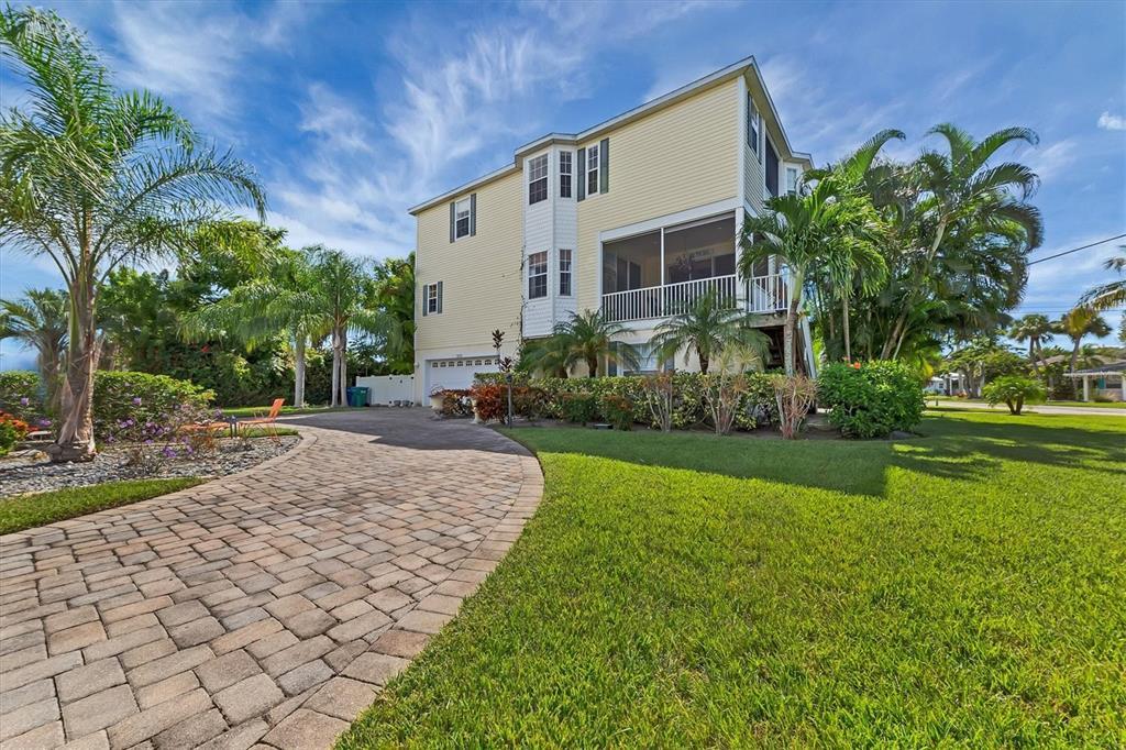 303 58Th Street, Holmes Beach, FL 34217