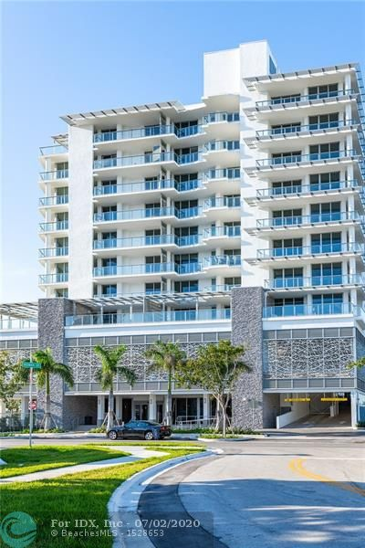 Shown by appointment, and now ready for immediate occupancy. Fantastic flow thru views and wonderful outdoor summer kitchens overlooking the Intracoastal Waterway. Boutique condo living at it's best, 24hr door staff, controlled access private assigned parking, two spaces per unit, plus private storage and a spectacular rooftop pool and entertaining area. WOW what a view !