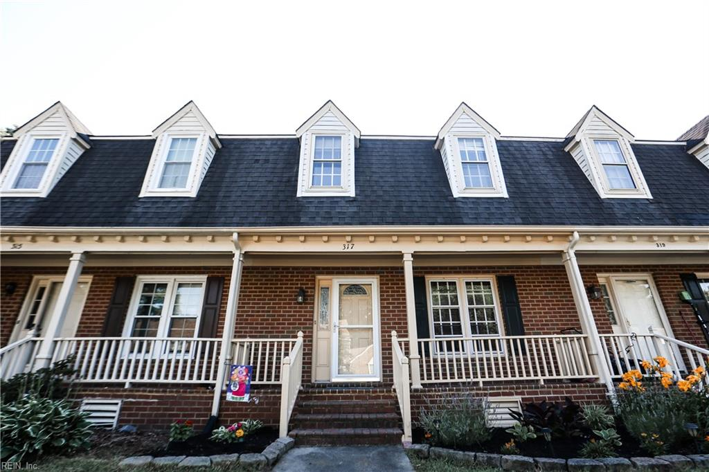 317 Middle Oaks Drive, Chesapeake, VA 23322