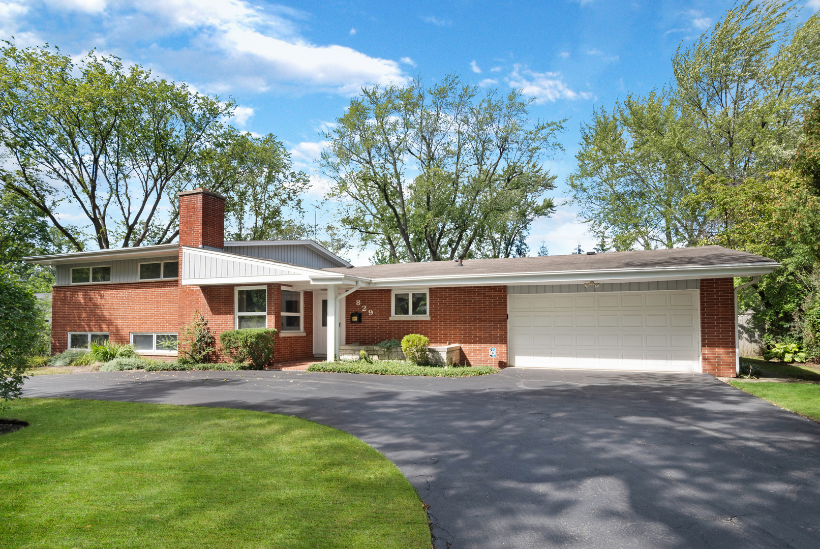 829 Moseley Road, Highland Park, IL 60035