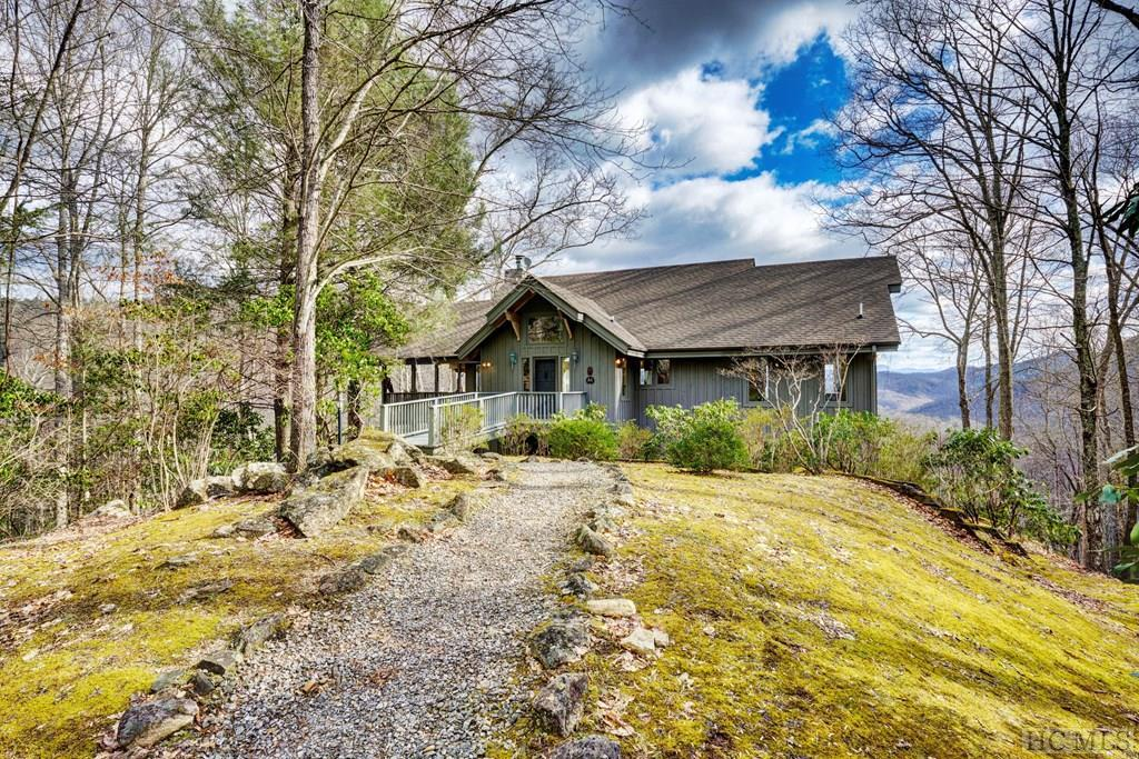 289 Red Maple Road, Cullowhee, NC 28723