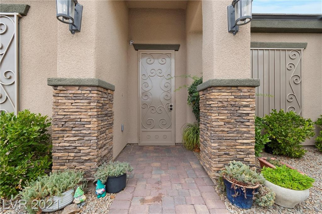 SIMPLY AWESOME, VERY CLEAN, single story pool home, BIG kitchen w/all steel appls, soft close drawers/doors, granite counters and big breakfast bar, 5 burner cooktop, sep dining nook, surround speakers in BIG FR, formal DR w/custom wine fridge, double doored den (has closet, could be BR#4), HUGE primary is 25X14 w/rear patio access, 2 sep closets & ELEGANT bath w/sep tub & shower, mud room off laundry room, custom window coverings, jack-n-jill BR's, like-new flooring to inc wood-like tile, ceiling fans throughout, lap pool is approx 40 ft long, HUGE 20X40 RV garage, 75ft behind RV gates, a sep garage in rear, NUMEROUS custom touches added by master craftsman/owner, rolladens, sec sys, shutters, R/O & water soft, 220V in RV garage w/epoxied floor, HUGE side yard can be dog run, tortoise habitat, add'l family space,...IF you got toys or aspire to, this is the home for you, heated pool, owner owned solar panels w/current bills at $13.19/mo, subject to individual usage....MUCH, MUCH more,
