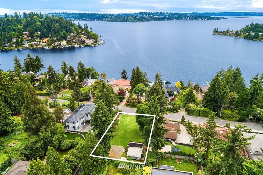 Rare opportunity for a true legacy estate in the heart of West Bellevue. This sunny, large lot has breathtaking views of Lake Washington. Located minutes to parks, dining and entertainment. Highly sought-after Bellevue School District, including Medina Elementary. Centrally located for commute to Downtown Bellevue or Seattle. Don't miss this opportunity to build your dream home.