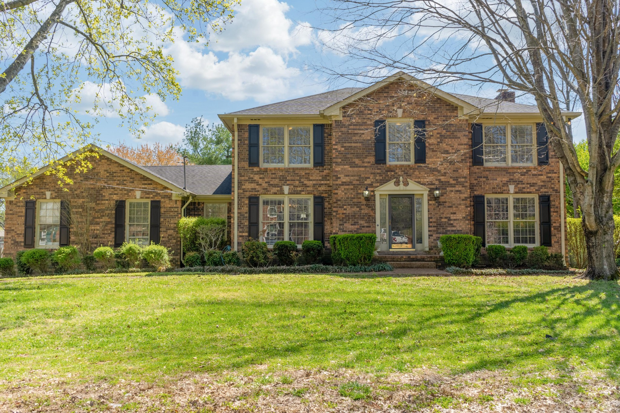 Great All Brick Home in Sought after Neighborhood on Indian Lake Peninsula. Home Offers a Study/Office, Formal Dining Room, Open Kitchen with Eating Area, Brick Fireplace, and a Large Bonus Room! Wonderful Screened in Deck that leads out to a Spacious Patio and a Leveled Privacy Fenced Backyard! Plenty of Parking Space in the Back for your Boat! Located Minutes from Stark Knob Boat Ramp!