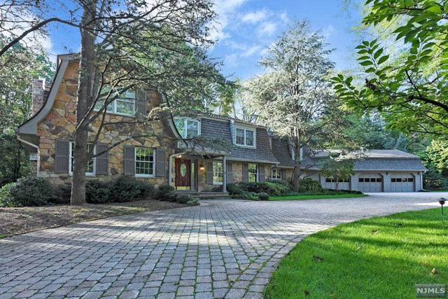 347 Algonquin Road, Franklin Lakes, NJ 07417