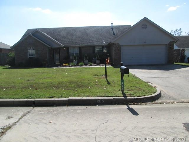 205 Heritage Drive, Fort Gibson, OK 74434