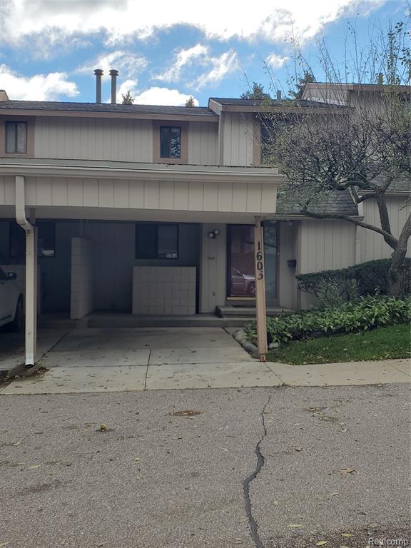 1605 STONEY BROOK Drive, Rochester Hills, MI 48309