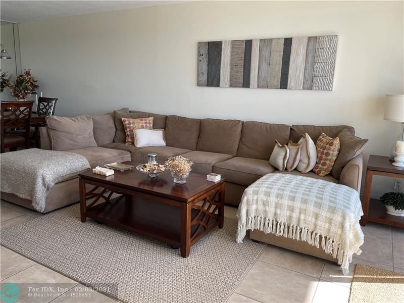 Furnished unit overlooking the lake at desirable Palm Aire Country Club. Completely furniture. Amazing lake view. Ready to enjoy the country club life. Tenant will previously apply with our management appfolio system to be approved by owner. HOA requires min credit score 650.