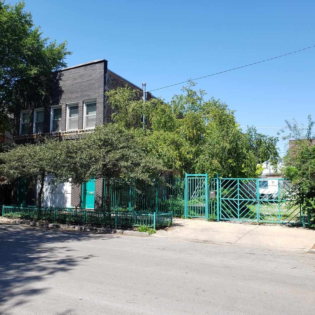2340 W Erie Street, Chicago, IL 60612