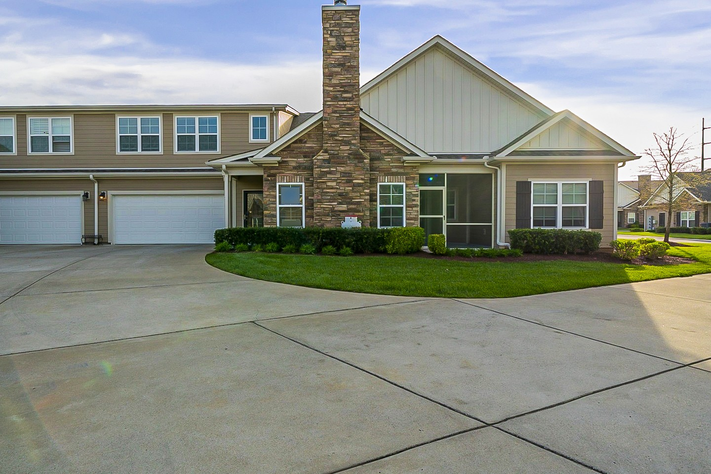 Built in 2016, this Murfreesboro two-story cul-de-sac home offers granite countertops, and a two-car garage.