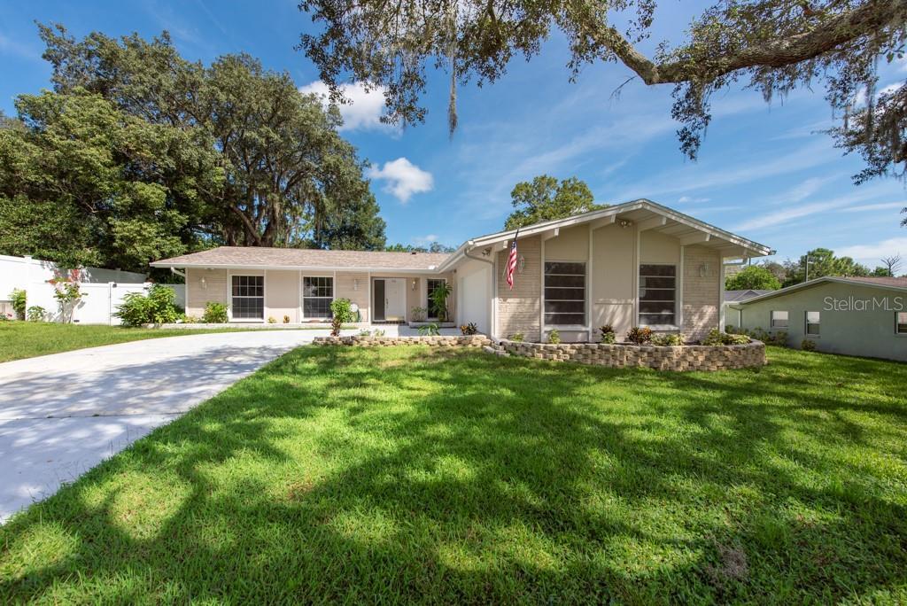 5116 Rolling Hills Court, Temple Terrace, FL 33617