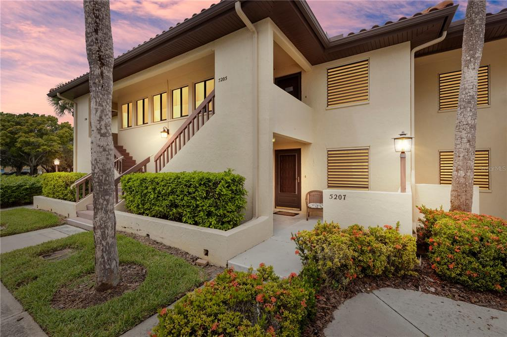 5207 Lake Village Drive 15, Sarasota, FL 34235