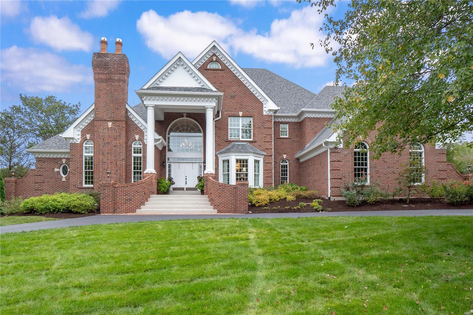 402 Conway Commons Lane, Town and Country, MO 63141