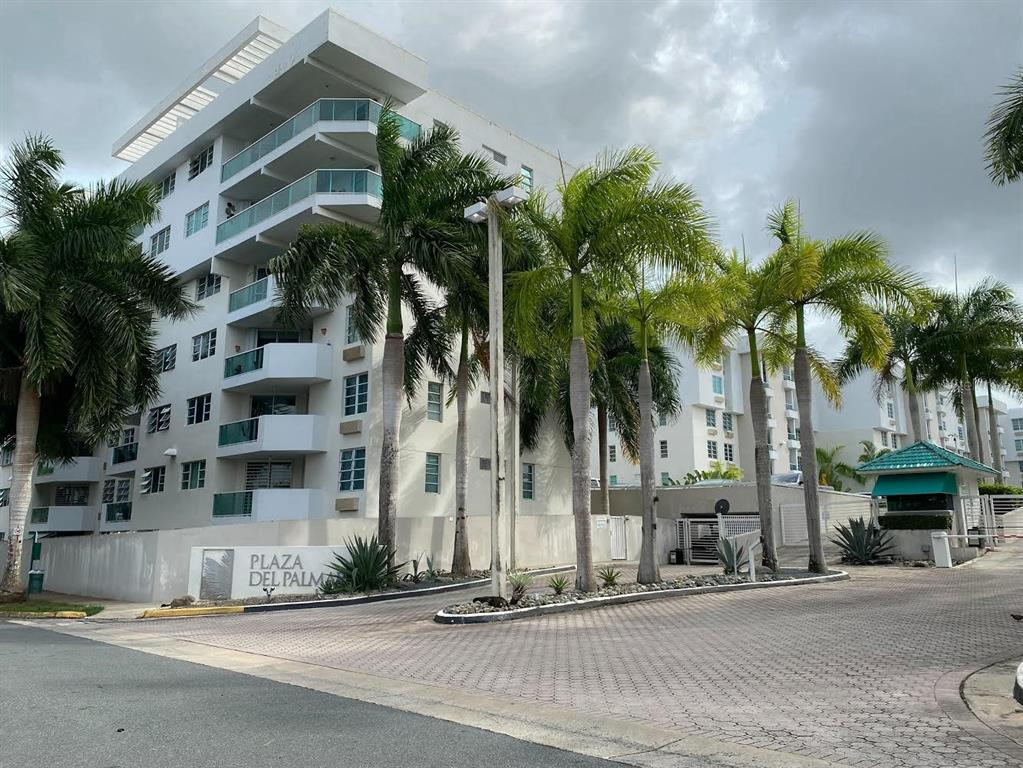 """Plaza del Palmar / Newly Listed! Virtual Tour: https://plazadelpalmar.s3.us-east-2.amazonaws.com/index.htm / This beautiful apartment located in the heart of Guaynabo consists of 3 Bedrooms and 2 Full Bathrooms. Ready to move in! / Equipped with: Washer, Dryer, Fridge/Freezer, Stove/Oven, Extractor, Microwave, 4 A/C Units, and Water Heater. The apartment is located on the second floor and includes two (2) Parking Spaces, each floor consist of two (2) apartments. Common Areas include: Park, Pool, Basketball Court, Two-Story Activity Lounge. Walking distance to """"El Tablado de Guaynabo"""", Super Market, Pharmacy, Restaurants, Bank, and Hospital. Five-minute drive to malls and top schools in Guaynabo. / Asking Price $270,000 / HOA: $221"""
