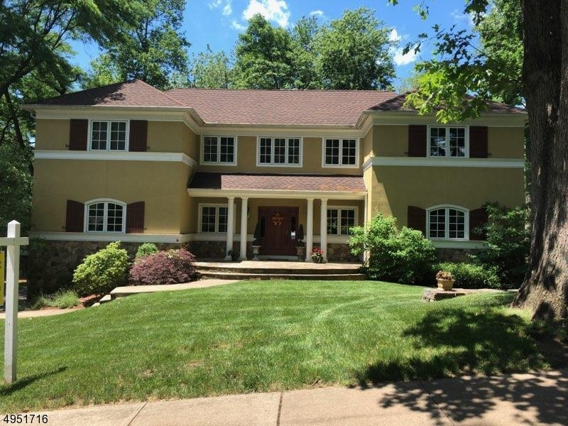 Morristown  gem, 4200 square feet, award winning kitchen featured in NJ magazine. Large rooms 3 fireplaces, radiant heat, much more. Walk to town and park. To show is to sell