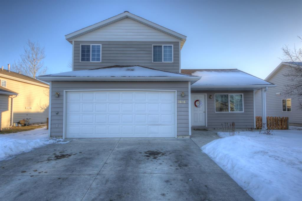 Great home in Durston Meadows! New Carpet and New Paint!! Call today to see this great home!