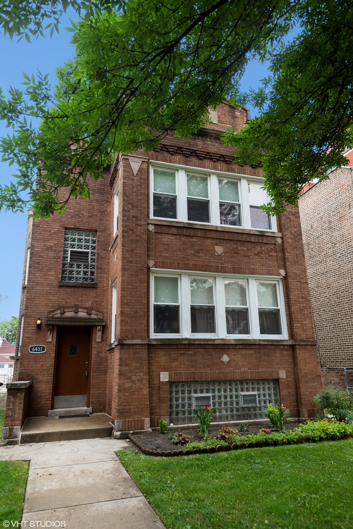 6431 N Rockwell Street, Chicago, IL 60645