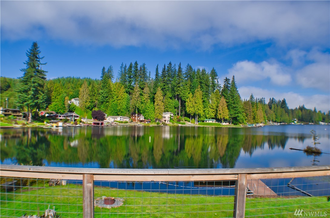 2708 Middle Shore Rd, Snohomish, WA 98290