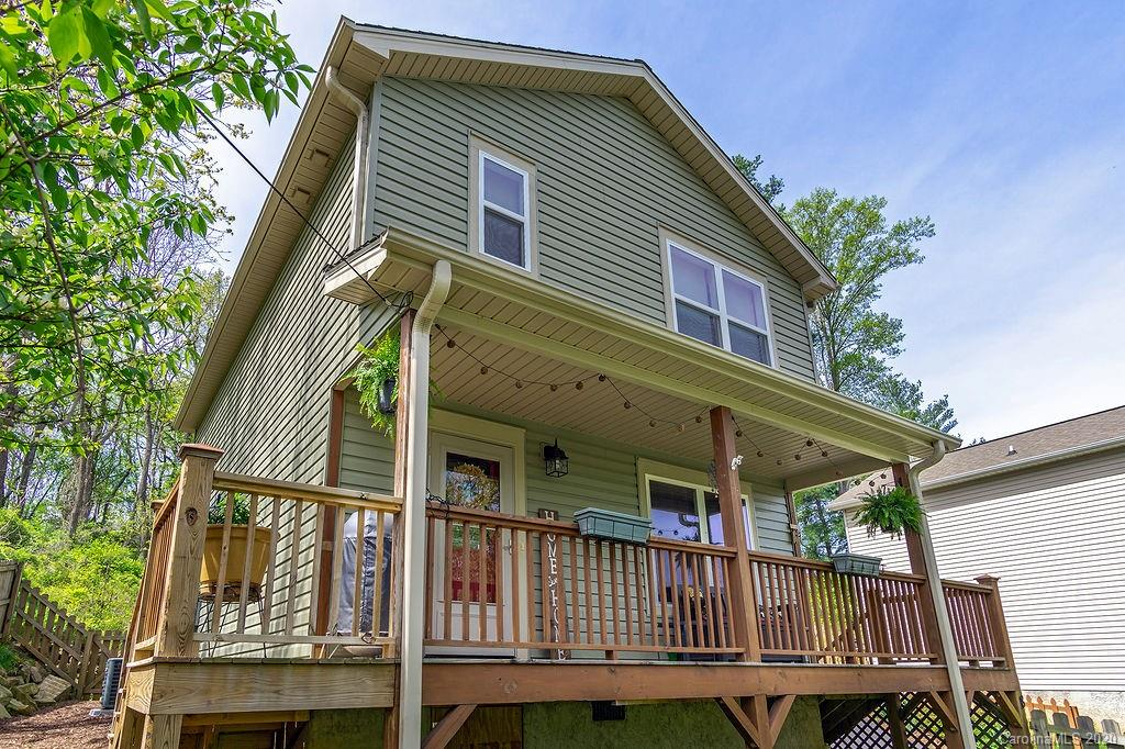 18 Old West Chapel Road, Asheville, NC 28803