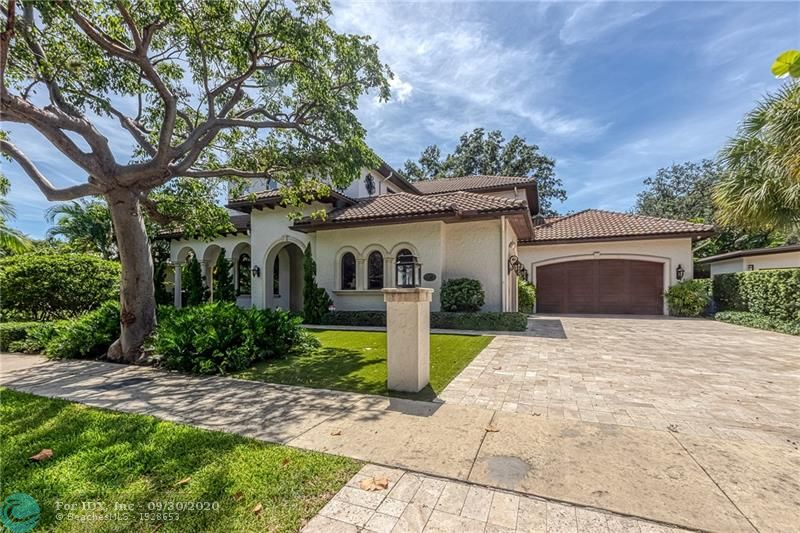 This beautiful custom home is nestled in the heart of Rio Vista on an expansive 11,250 square-foot lot! The wide, tree-lined Rio Vista Boulevard is the perfect spot for any family. From the minute you enter the door, you will get a sense of the quality workmanship and contemporary styling that comes with the 3-bedroom, 4.5-bath home. Soaring 20-foot ceilings let in gorgeous natural light, creating an airy atmosphere that is continued by the open floor plan in the living room. The master suite includes a his-and-hers spa bathroom, beautiful finishes and a custom dressing room. Additional features include imported Italian cabinetry, an ultramodern Nuvo sound system, wide-plank wood floors and gas fireplace. Outside, a thoughtfully designed entertaining space, three-car garage.