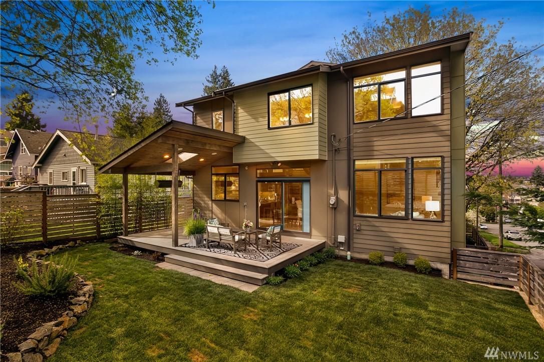 725 N 63rd St, Seattle, WA 98103