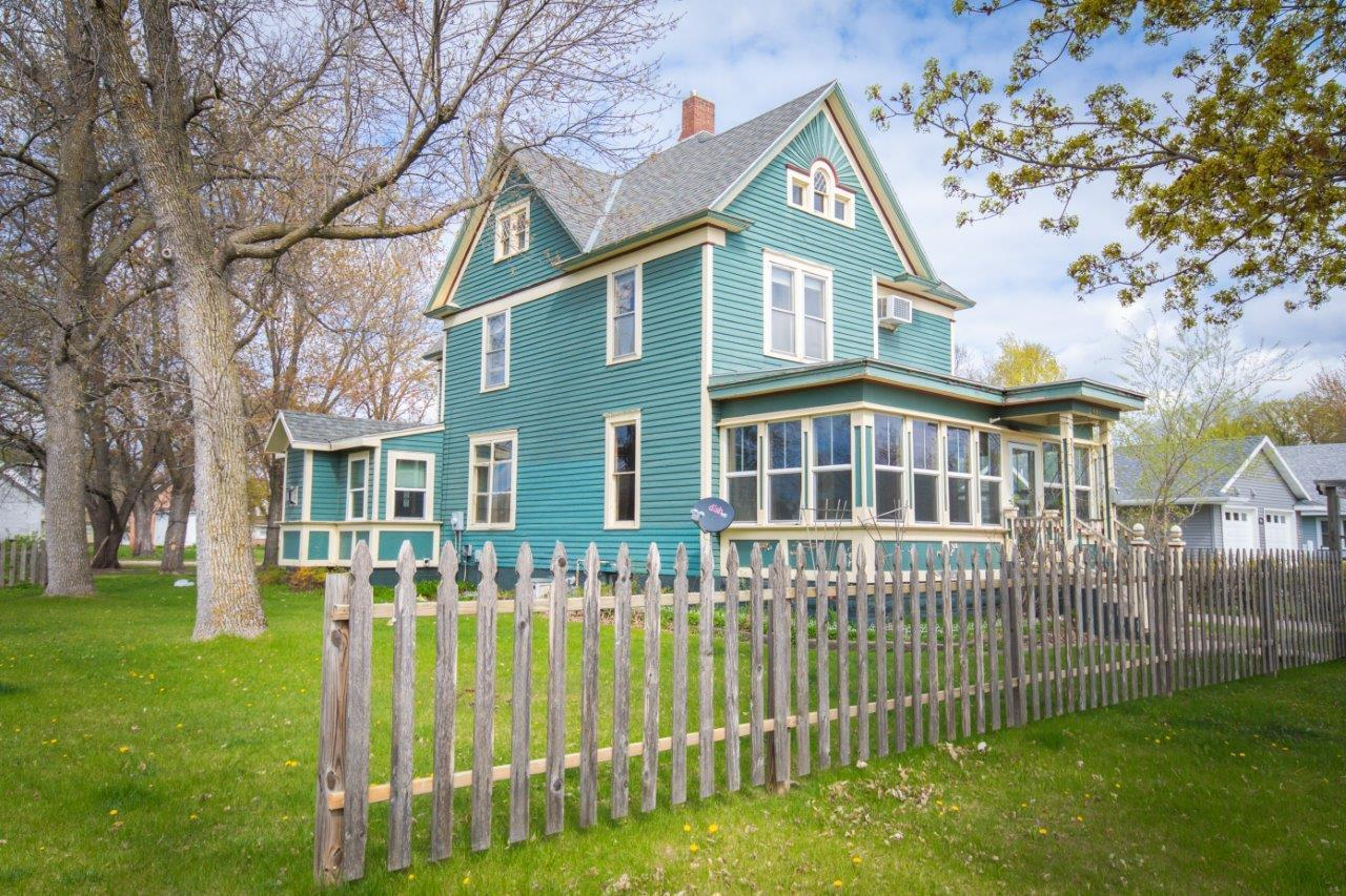 Built in 1908 here is a 3 bed 3 bath (Full, 1/2 & 1/4) Victorian style home located in the heart of Sauk Centre. Property features: Original woodwork & hardwood floors, Formal Dining Room, 4 Season Porch, Main Level Laundry, Gas Fireplace in Family Room off the Kitchen, 3 Upper level bedrooms, 11x31 Attached 1 car garage & newer boiler system.