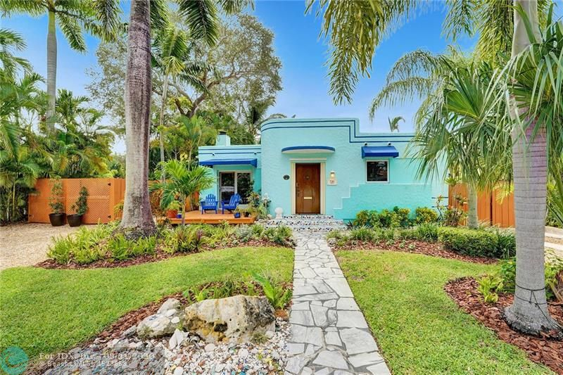 FEELS LIKE VACATION IN KEY WEST EVERY DAY!