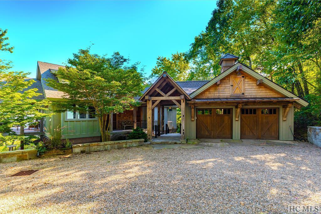 107 Ridge Colony Dr., Lake Toxaway, NC 28747