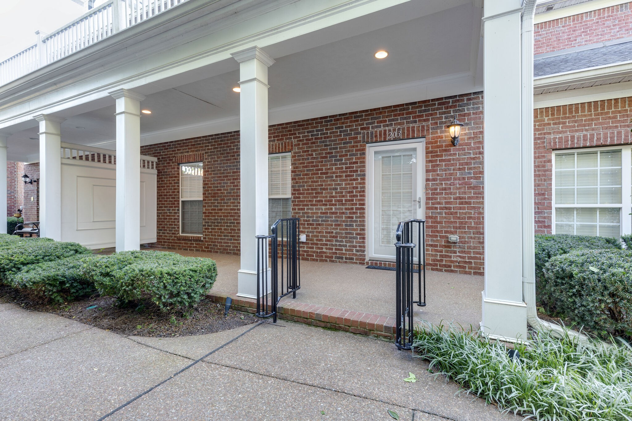 """Private gated community within walking distance to Downtown Franklin, shopping, parks & schools. One bedroom down, two story open living room with fireplace, tons of storage space, two car garage, private front porch and back patio. Has green space """"meadow"""" with gardening spots available and walk path!"""