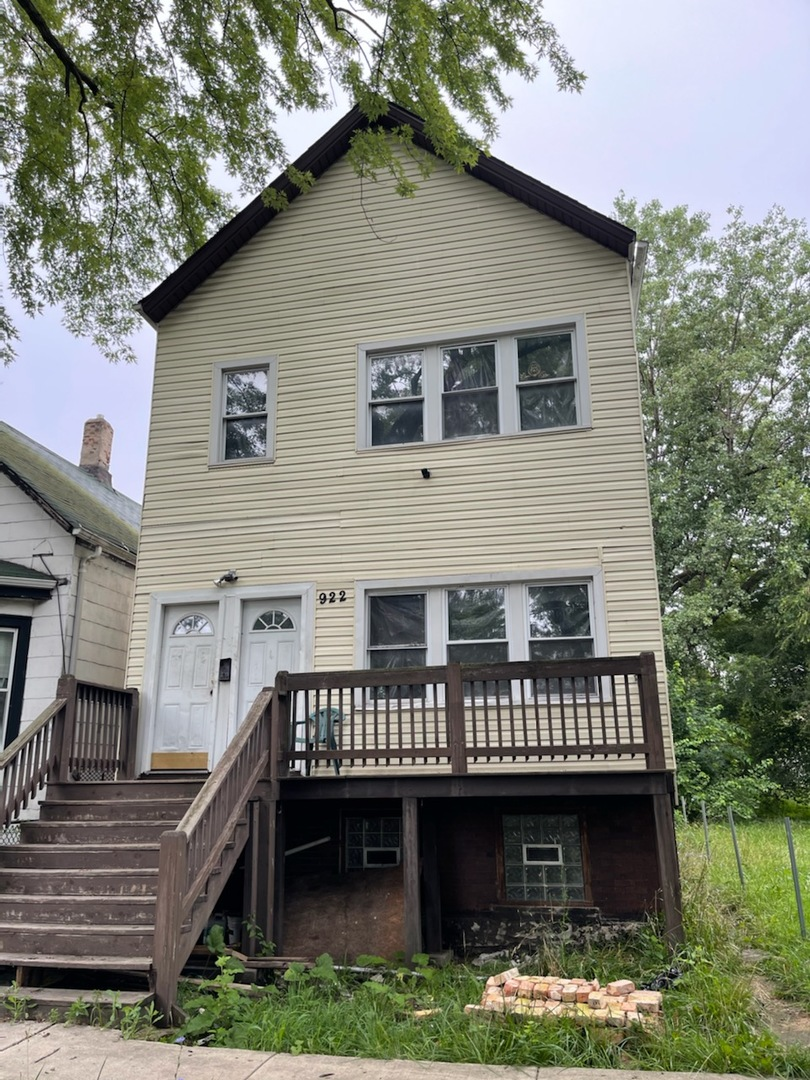 922 W 53rd Place, Chicago, IL 60609