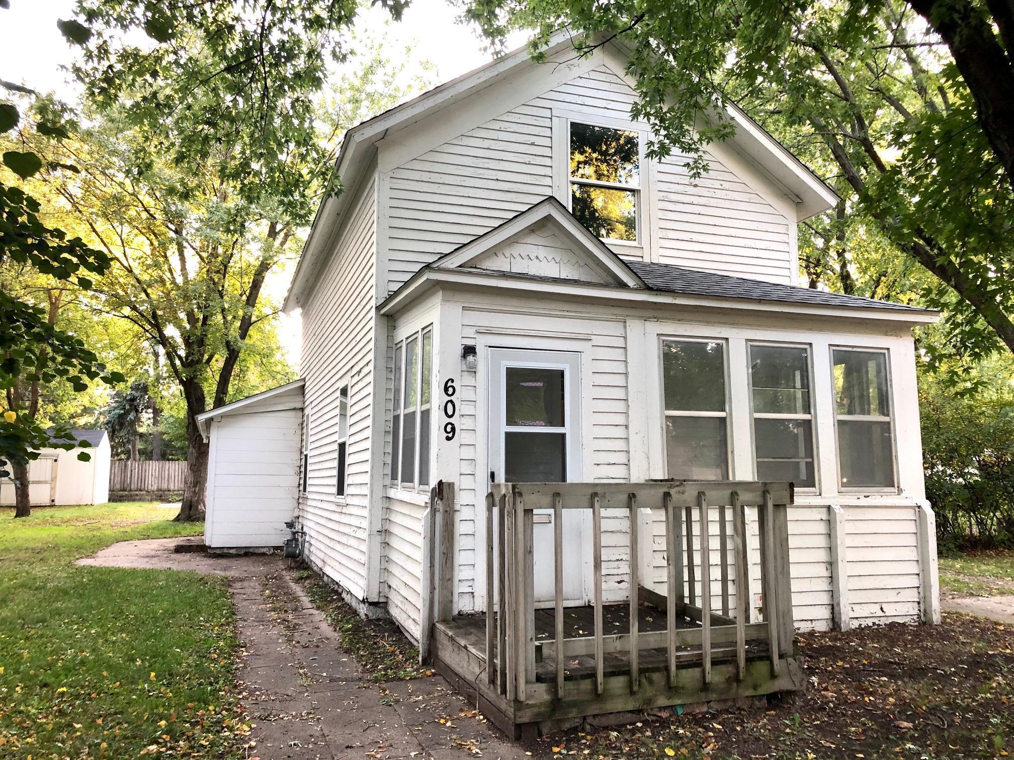 Make your mark on this 2 Bed/ 2 Bath, 1-1/2 Story Home on large lot near all the amenities St. Cloud has to offer. Close to downtown shops and restaurants and conveniently located between St. Cloud State University and St. Cloud Technical College. Home has a current rental license but is vacant for easy showing. A great investment opportunity or first-time home Buyer. 18 x 22 vinyl sided detached garage and two additional storage sheds. Don't miss out!