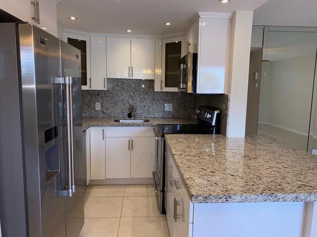 UNIQUE CONDO IN MARKHAM AREA, TOTALLY RENOVATED, 2 FULL BATHROOMS, OPEN KITCHEN, GRANITE COUNTER TOPS, STAINLESS STEEL APPLIANCES AND TILE THROUGHOUT, A MUST SEE, WON'T LAST ON THE MARKET.  ASSOCIATION CLAIMS 55+ COMMUNITY