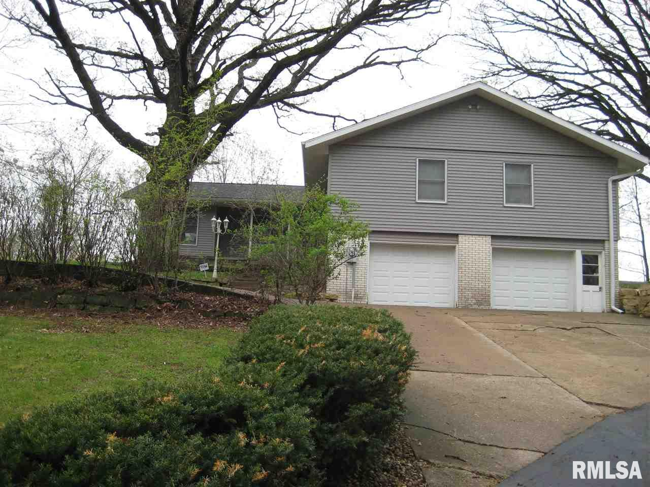 932 MEADOWVIEW Lane, Fulton, IL 61252