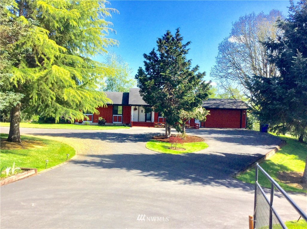 Must See/Hard to Find Lewis County Property! Beautiful Move-In Ready 3/2 PNW Contemporary Home on just over 10 usable/non-flooding acres with stunning territorial and St.Helens views! Quiet dead-end paved road minutes to I-5 and all conveniences. Easy to commute to Olympia/Tacoma or Vancouver/Portland. New chef's kitchen, new hardwoods, vaulted ceilings/skylights/updates throughout.Nice shop building with RV plugs/space for trailer & cars plus kennel area and loft.Well designed barn with 3+ stalls (room for one more),tack & feed room,hay loft,attached mud free runs,and space for small arena -with separate access from road.Multiple level and rolling pastures down to river-usable year round! High Speed Internet to home and outbuildings!