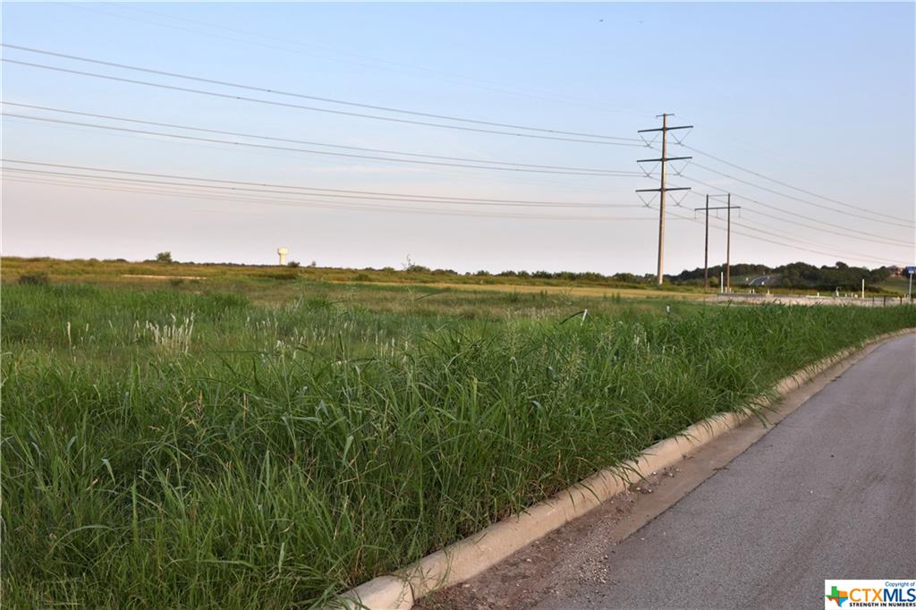 Beautiful lot in the middle of Mill Creek!  This is a gated community with mandatory Home Owners Association.