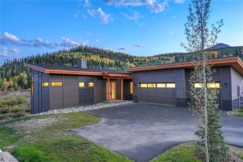 PRE-CONSTRUCTION HOMES. The Peak Home, at 2,855 sq ft, is designed for those families who are looking for an efficient footprint. Featuring an open layout, and two outdoor living spaces, this home is designed for both entertaining and getting cozy. Complete with office space to keep you connected. Amenities include a private lake & beach, hiking trails, communal gathering areas at the Aspen House, trails galore, and nearly unlimited access to the heart of Rocky Mountains.