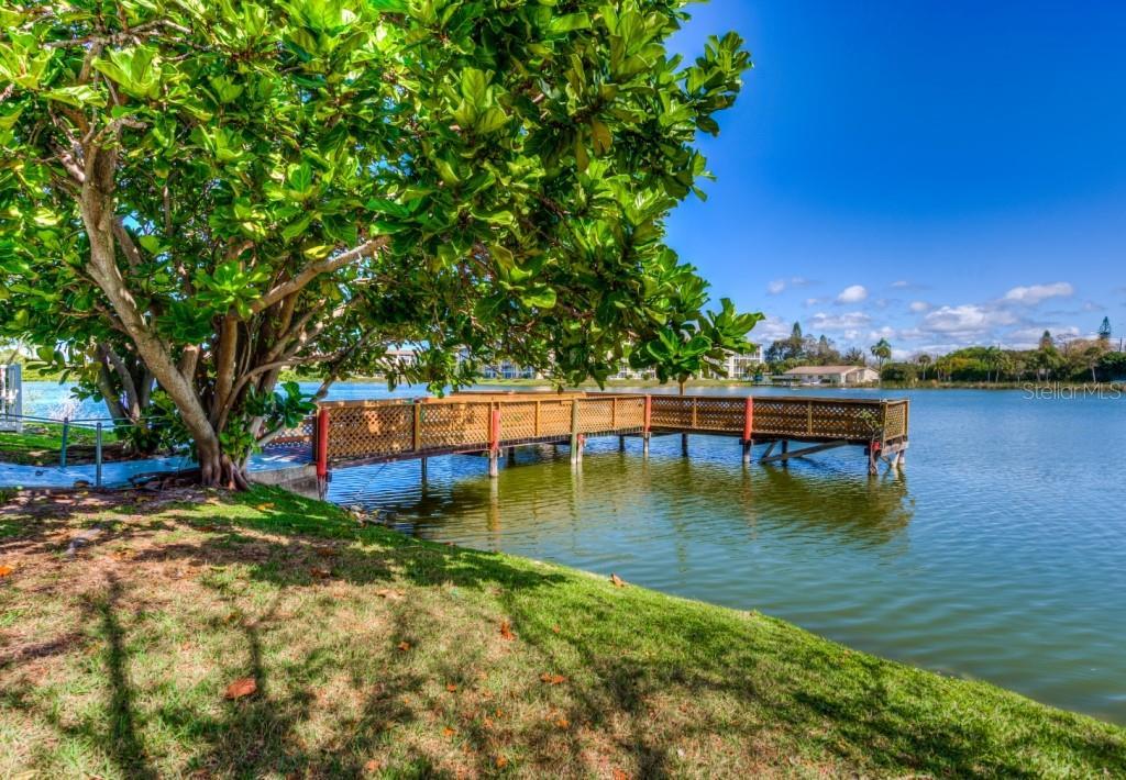 4057 Lake Bayshore Drive 213, Bradenton, FL 34205