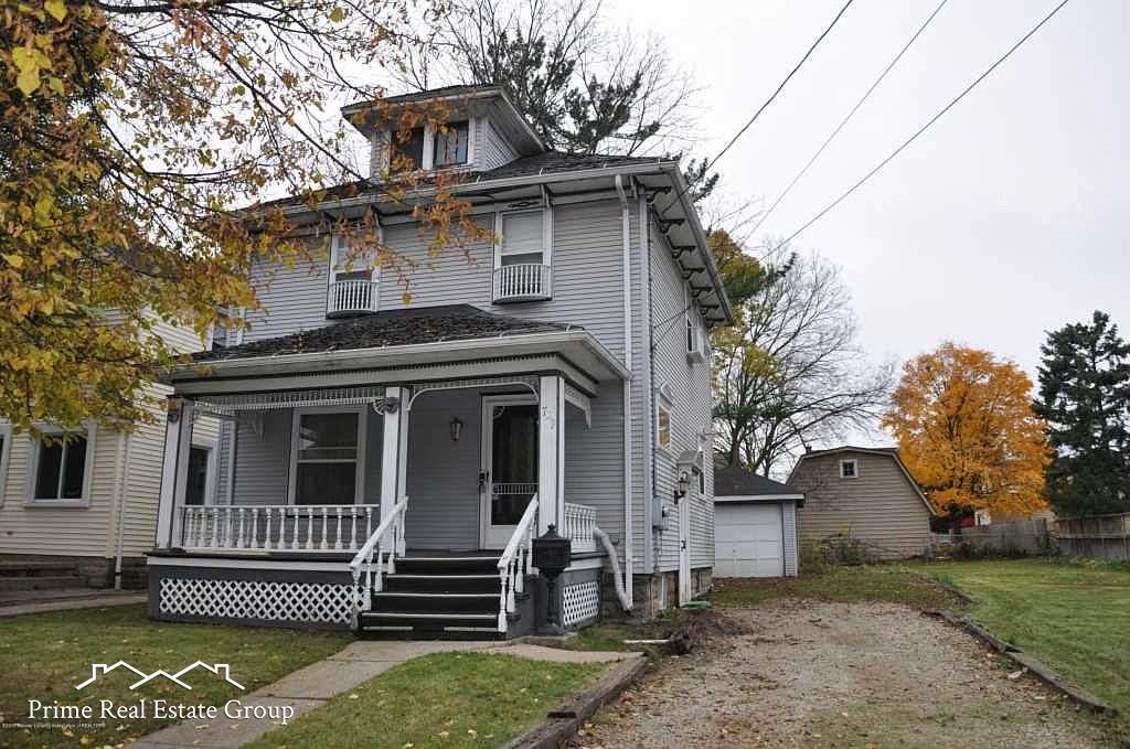 Great opportunity on 3 bedroom charming home located near downtown Lansing. Featuring spacious kitchen, dining and living rooms on a double lot. Don't wait this one will be gone quickly.