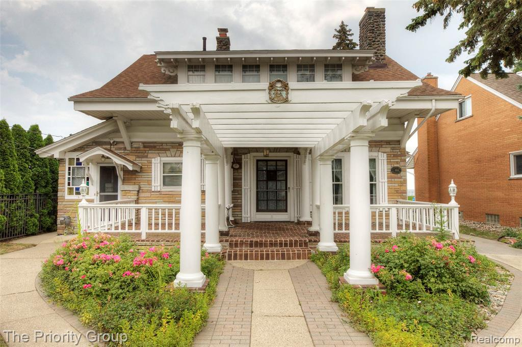 Lake St Clair Waterfront! The property boasts a seawall w/flash rail, 2 ice breakers, water berm, cement patio at water's edge and dock w/boat hoist - fits up to a 30' boat. The home is bursting with charm and character. Feast your eyes on the original mahogany woodwork throughout the home. Check out the stone fireplace in the living room that flows to the family and dining rooms. There's no need to wonder where your guests will want to be - in the HUGE Florida room that looks directly at the lake. Think of it....parties, family gatherings, graduations and any other life event you can think of to make a memory on the lake. The upper level doesn't lack either - 2 bedrooms, a large full bath, a master suite & bath. Make sure you notice the built in storage at the top of the stairs. Oooh & notice there's a 3 car garage w/an attached workshop.  What's not to love? Make your appointment today! Buyer's agent to verify all info. Professional pics.