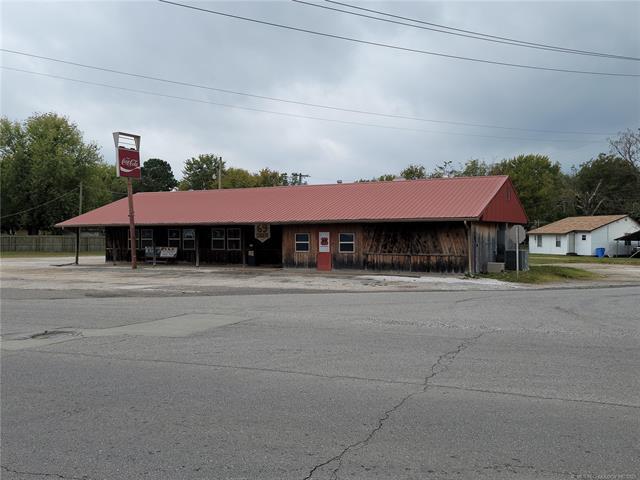722 N Broadway Street, Checotah, OK 74426
