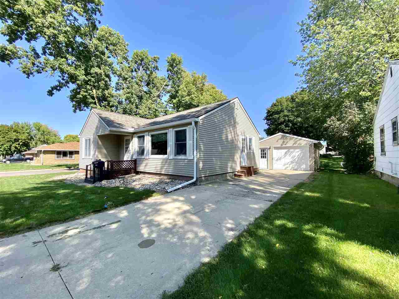 214 N 15th Street, Estherville, IA 51334